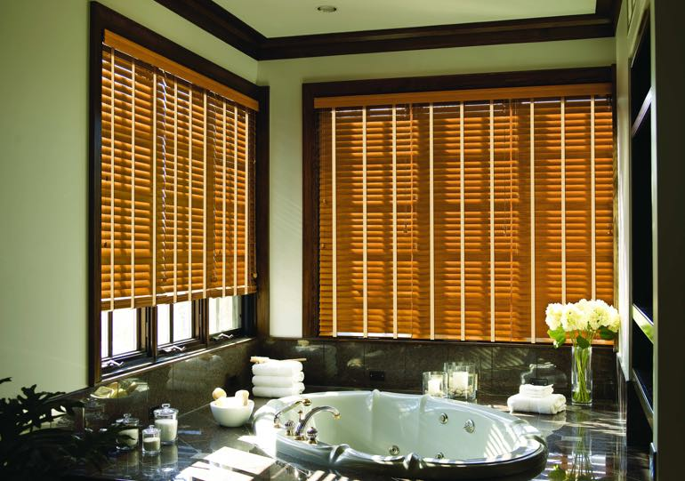 Honolulu bathroom blinds