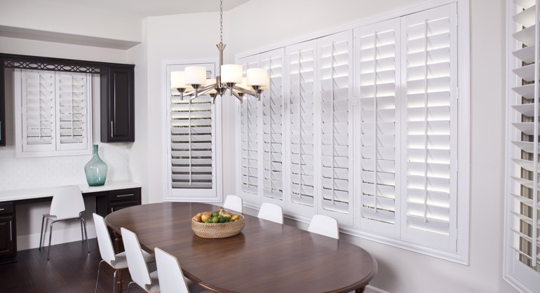 white shutters in Honolulu dining room