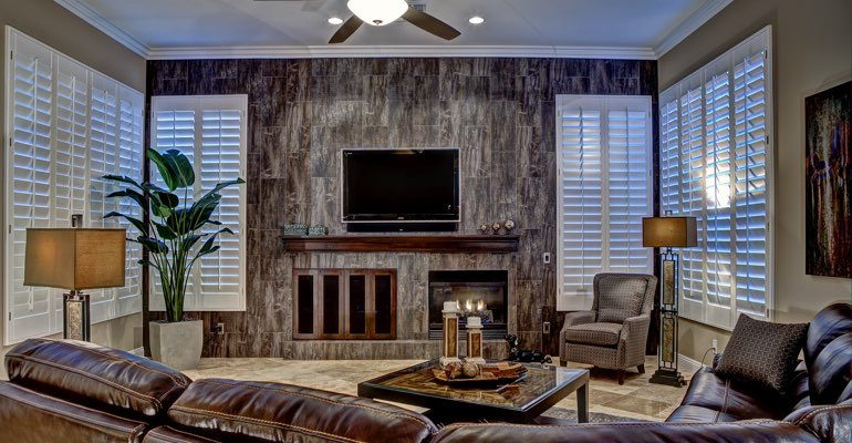 Honolulu living room with shutters