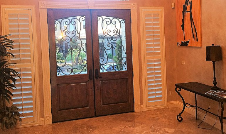 Honolulu foyer door with shutters