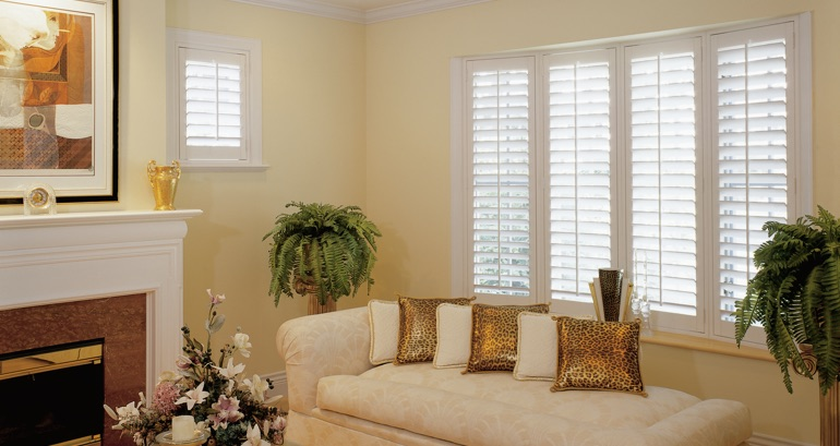 Honolulu living room shutters