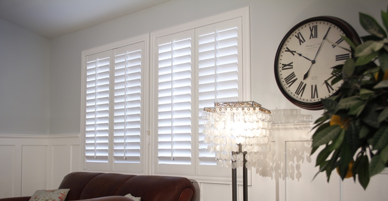 Honolulu living room plantation shutters