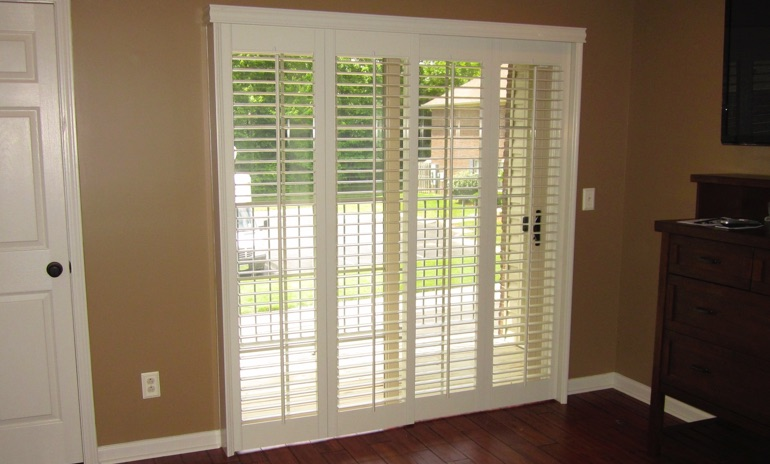 Honolulu sliding door bifold shutters in living room