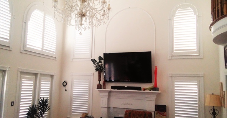 high ceiling windows with shutters Honolulu great room