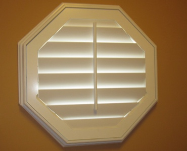 Honolulu octagon window shutter