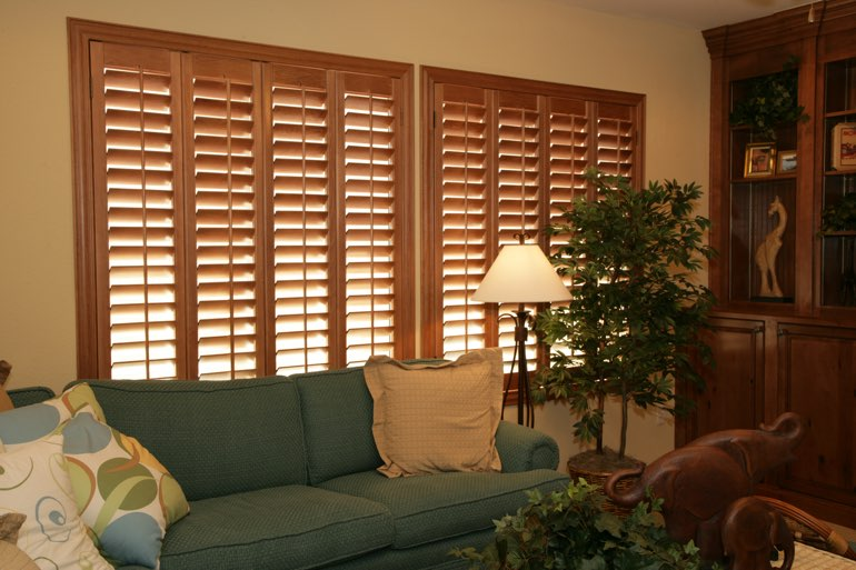 Ovation Shutters In A Honolulu Living Room.